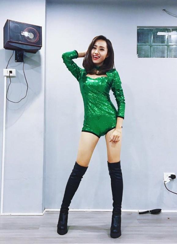 Tranh thu Ha Noi noi long, MC thoi tiet VTV lam dam hoi gap-Hinh-12