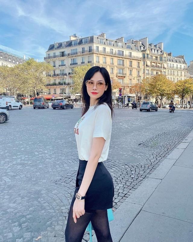 Hoang hon voi mot lan shopping tui cua con dau ty phu Hoang Kieu-Hinh-2