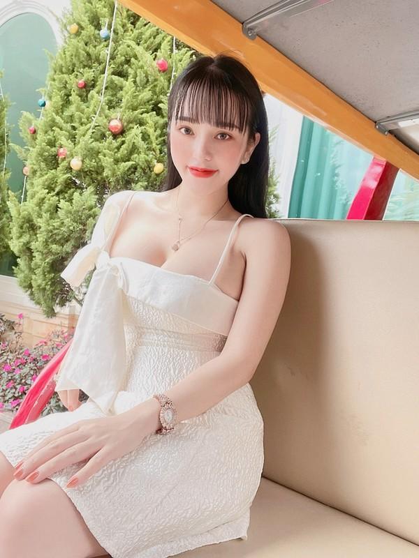 Lo cuoc song sang chanh cua loat hot girl mang vuong vong lao ly