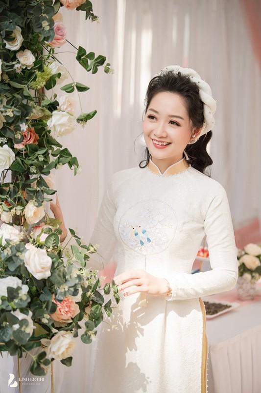 Dien ao dai trong le an hoi, dan MC VTV dep xao xuyen-Hinh-7