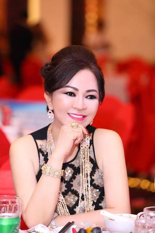 Tu hao khoe mat moc, ba Phuong Hang nhan binh luan la tu netizen-Hinh-10