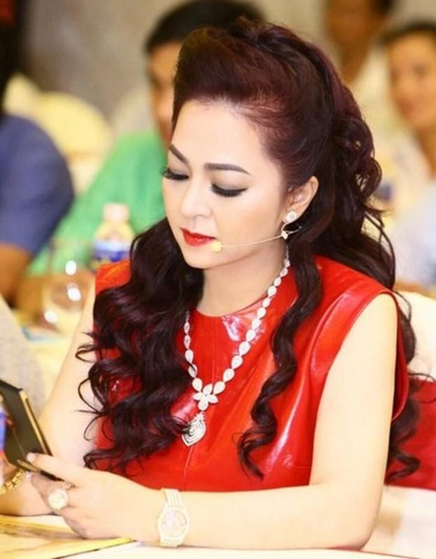 Tu hao khoe mat moc, ba Phuong Hang nhan binh luan la tu netizen-Hinh-12