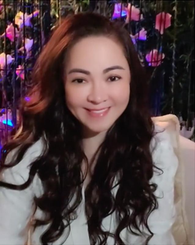 Tu hao khoe mat moc, ba Phuong Hang nhan binh luan la tu netizen-Hinh-4