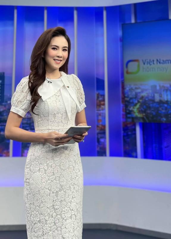 """""""MC dep nhat VTV"""" Mai Ngoc bat ngo gap lai minh nam 14 tuoi-Hinh-2"""
