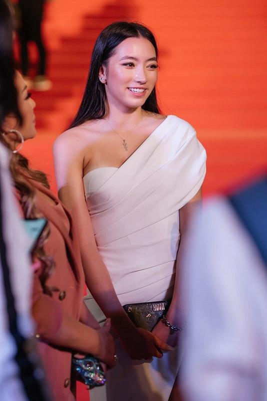 Con gai danh ca Thanh Ha lo dien, van chang trai xin lam re-Hinh-7