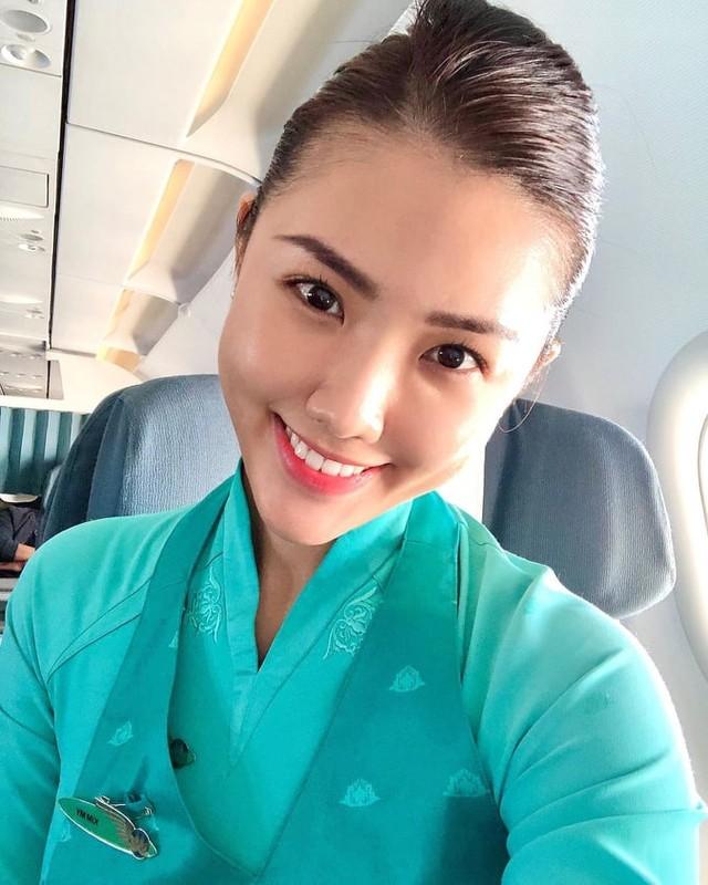 Buông bỏ đồng phục, nữ tiếp viên Vietnam Airline quyến rũ hơn người