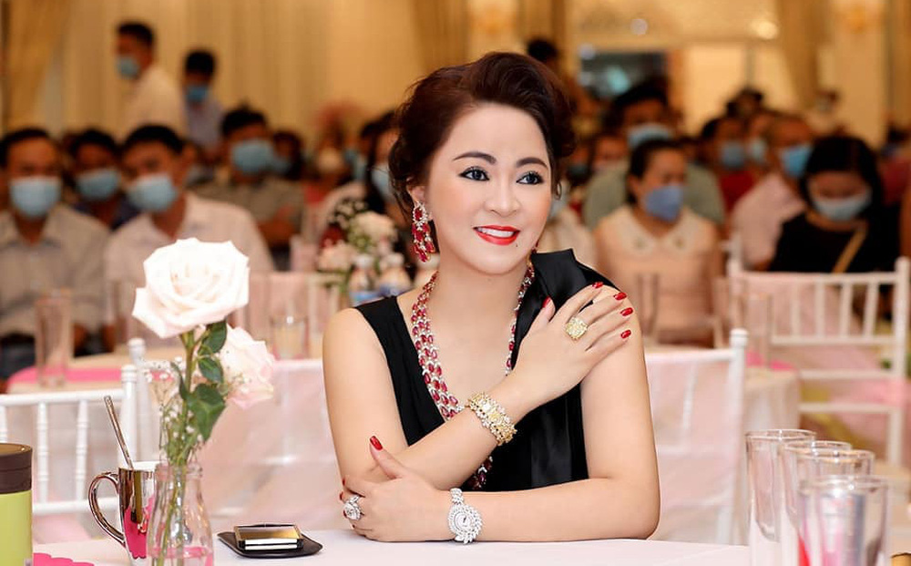 Bà Phương Hằng lộ tiêu chí tuyển nhân viên, ai nghe cũng giật mình