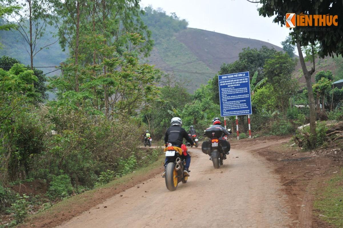 Dan moto Ducati treo deo, loi suoi thien nguyen Son La-Hinh-10