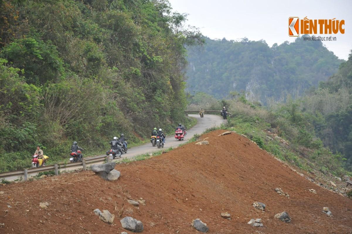 Dan moto Ducati treo deo, loi suoi thien nguyen Son La-Hinh-11