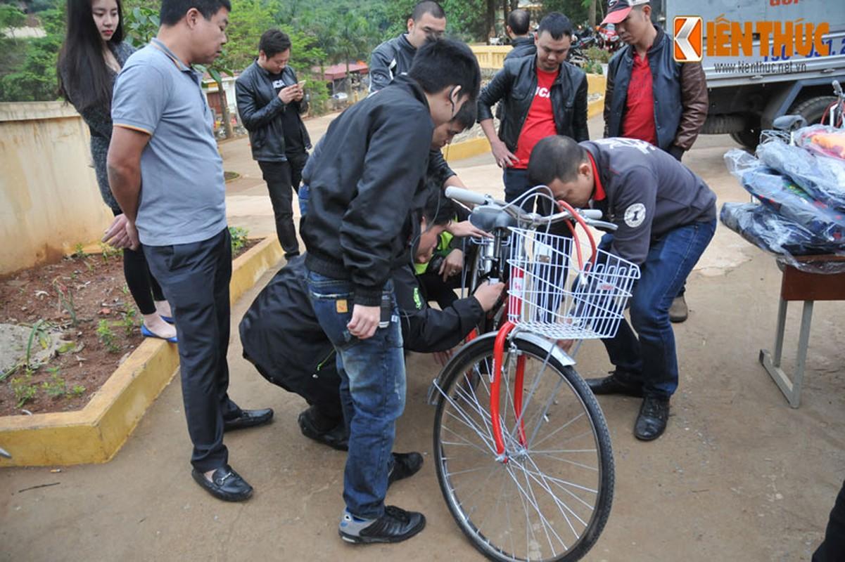 Dan moto Ducati treo deo, loi suoi thien nguyen Son La-Hinh-13