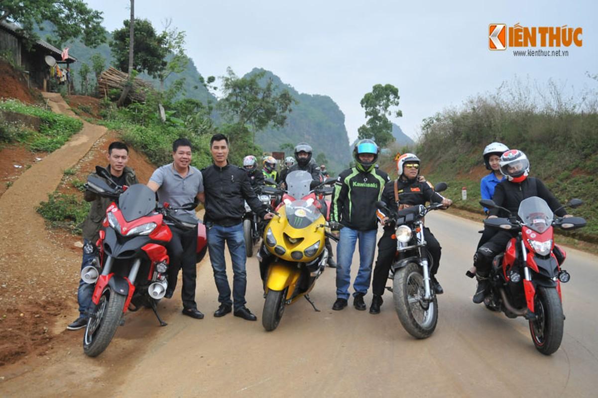 Dan moto Ducati treo deo, loi suoi thien nguyen Son La-Hinh-20