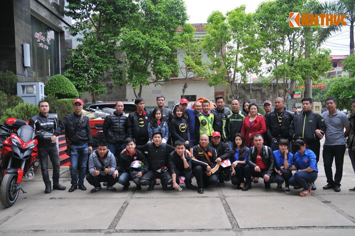 Dan moto Ducati treo deo, loi suoi thien nguyen Son La-Hinh-21