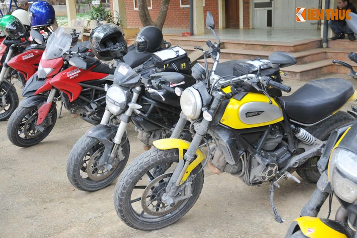 Dan moto Ducati treo deo, loi suoi thien nguyen Son La-Hinh-4
