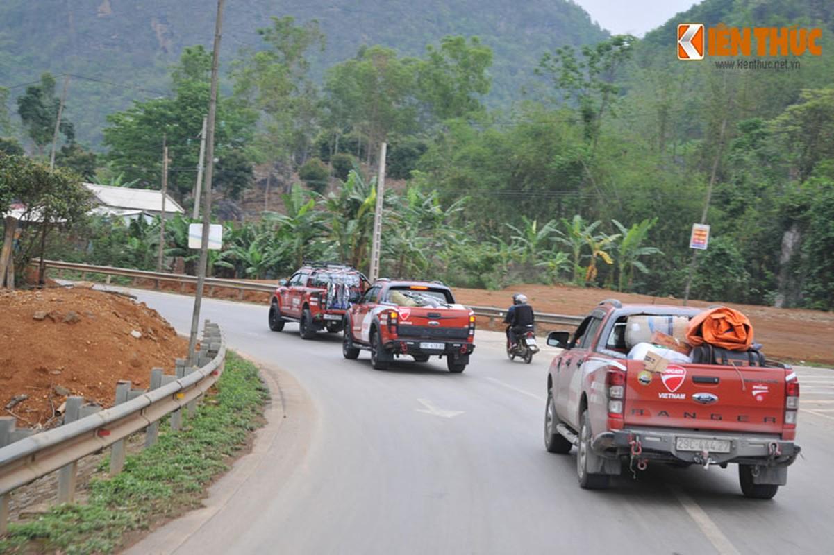 Dan moto Ducati treo deo, loi suoi thien nguyen Son La-Hinh-7