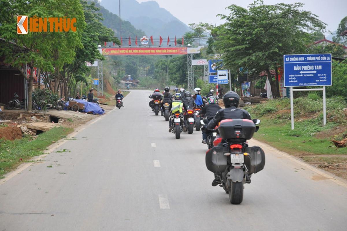 Dan moto Ducati treo deo, loi suoi thien nguyen Son La-Hinh-8