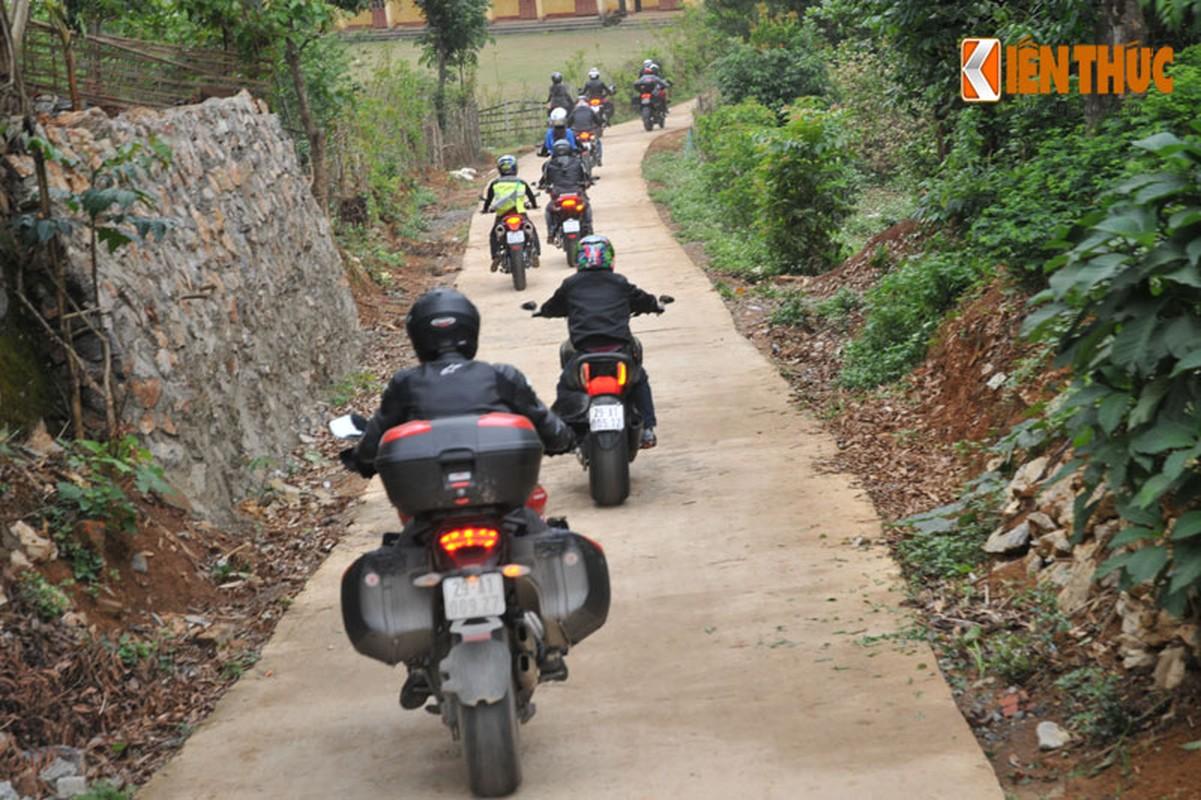 Dan moto Ducati treo deo, loi suoi thien nguyen Son La-Hinh-9