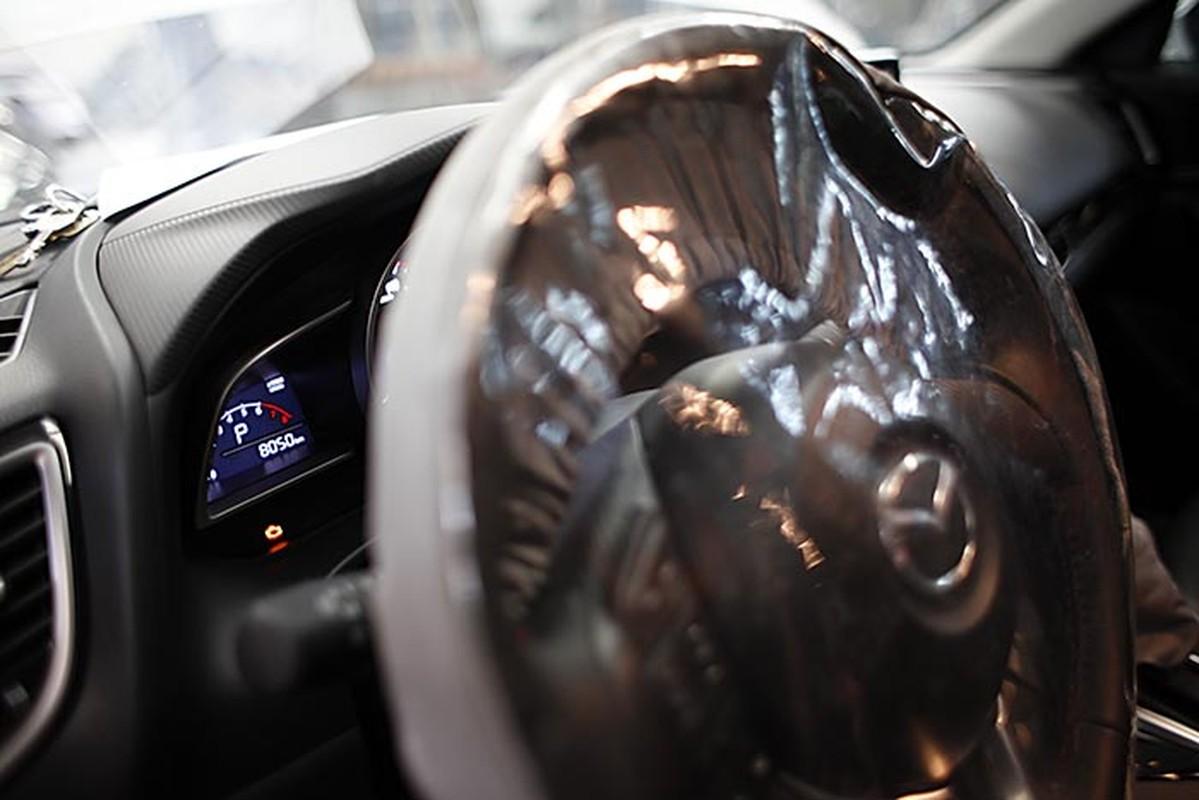 Hon 10 nghin xe Mazda3 dinh loi tai VN xu ly the nao?-Hinh-7