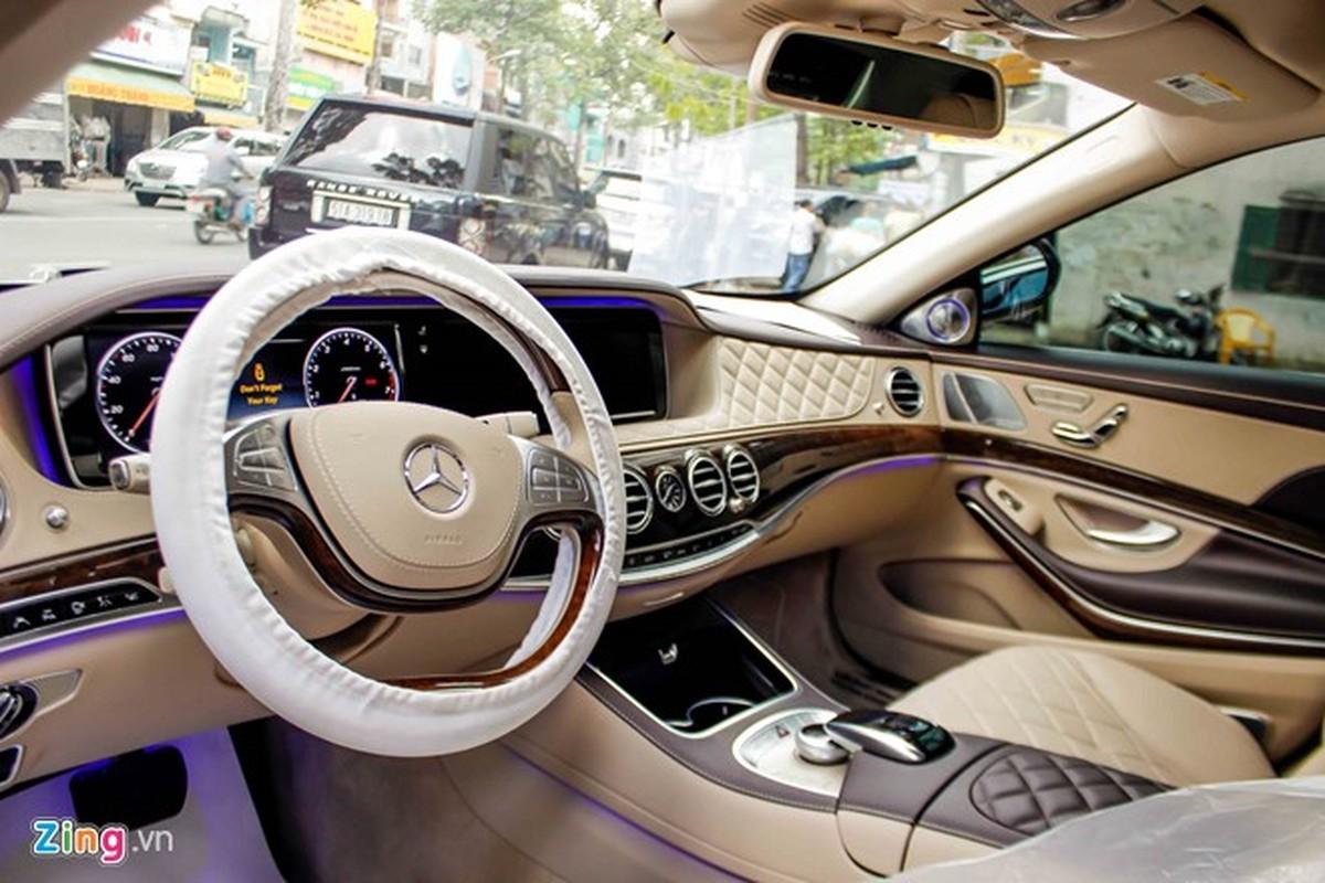 Xe sieu sang Mercedes Maybach S600 trang mo do mam o Sai Gon-Hinh-10