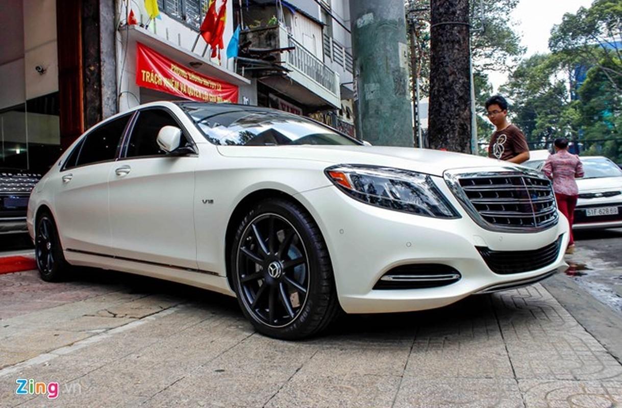Xe sieu sang Mercedes Maybach S600 trang mo do mam o Sai Gon-Hinh-3