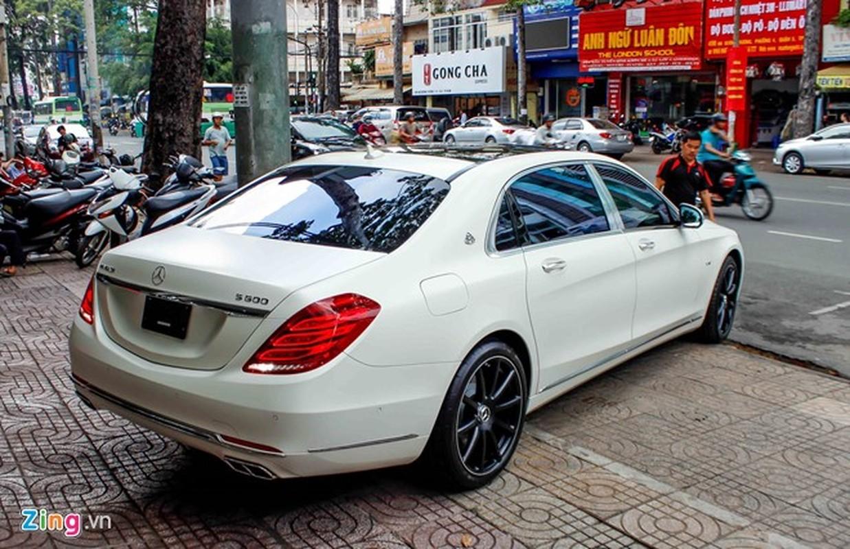 Xe sieu sang Mercedes Maybach S600 trang mo do mam o Sai Gon-Hinh-4