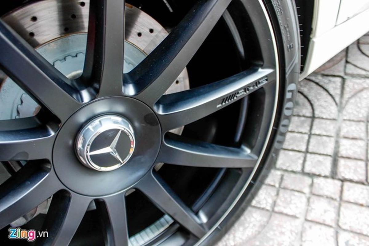 Xe sieu sang Mercedes Maybach S600 trang mo do mam o Sai Gon-Hinh-6
