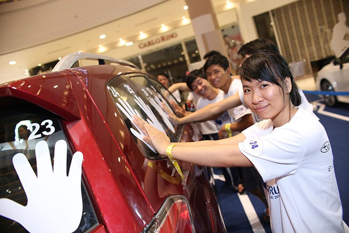 Thu thach cung Subaru 2016 - so lau cau xe 1,3 ty-Hinh-3