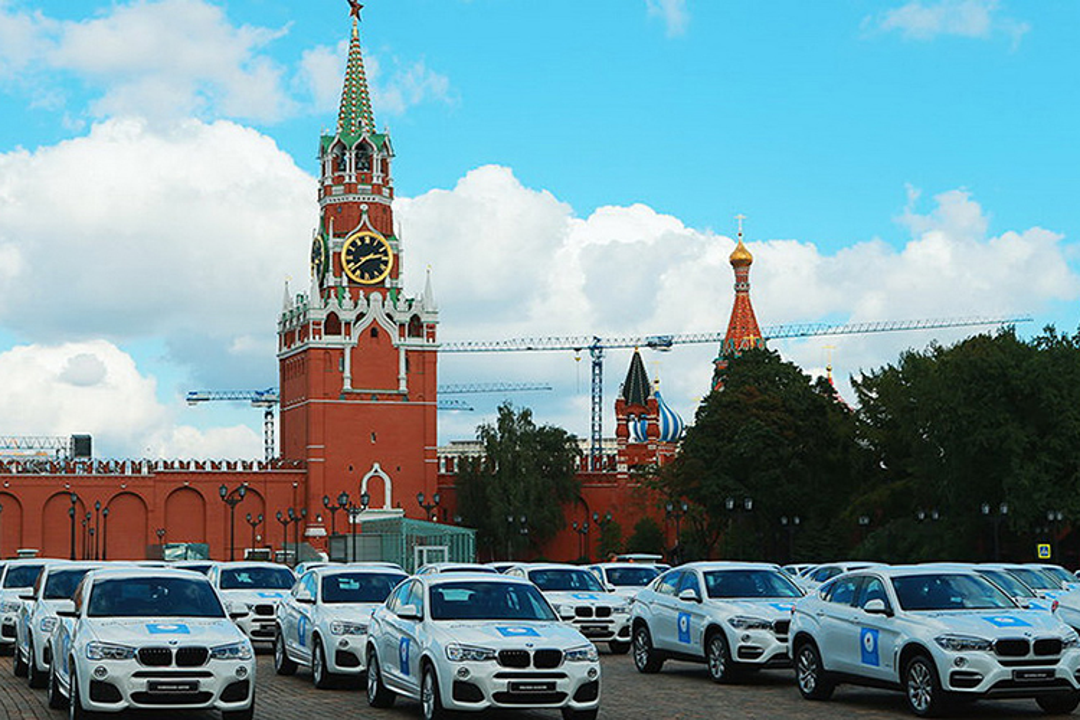 Tong thong Putin trao tang xe BMW cho VDV Olympic-Hinh-8