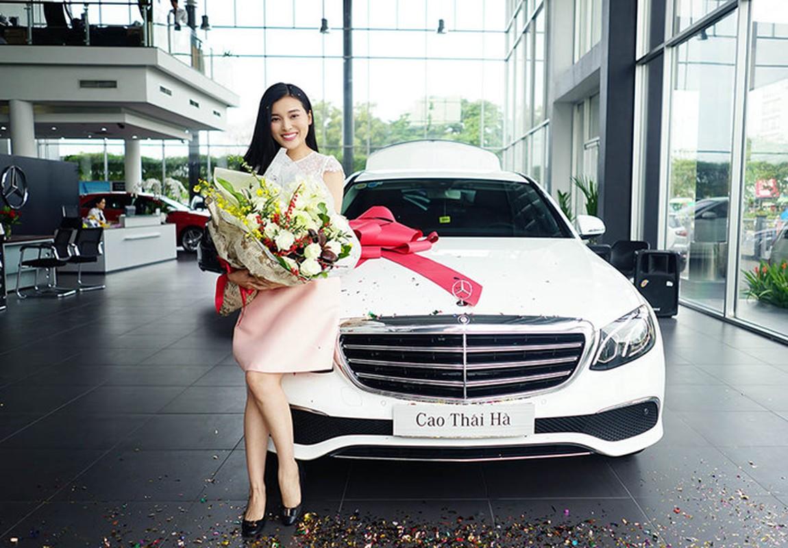 Chan dai Cao Thai Ha tau xe sang Mercedes E200 tien ty