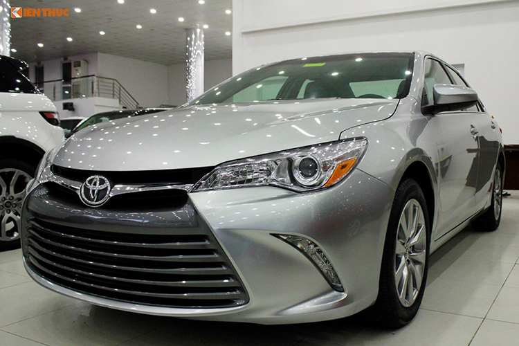 Can canh Toyota Camry XLE gia 1,9 ty tai Vieetj Nam-Hinh-12