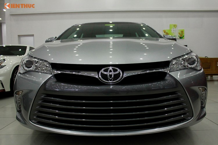 Can canh Toyota Camry XLE gia 1,9 ty tai Vieetj Nam-Hinh-3