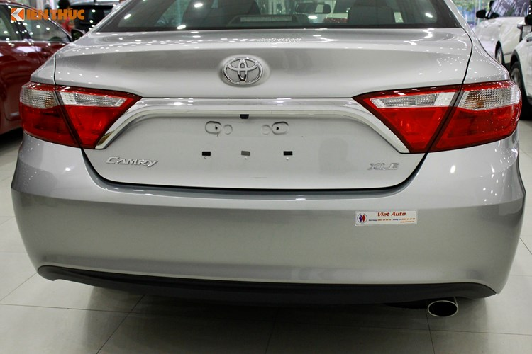 Can canh Toyota Camry XLE gia 1,9 ty tai Vieetj Nam-Hinh-5