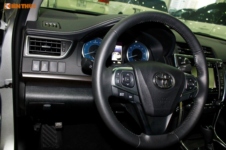 Can canh Toyota Camry XLE gia 1,9 ty tai Vieetj Nam-Hinh-8