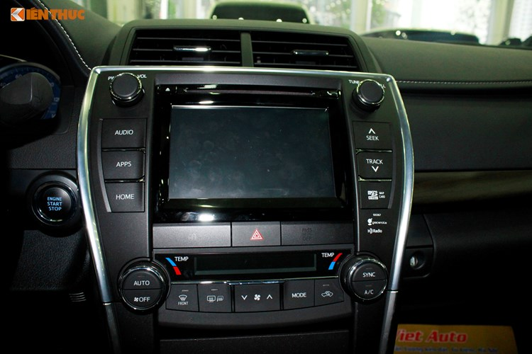 Can canh Toyota Camry XLE gia 1,9 ty tai Vieetj Nam-Hinh-9