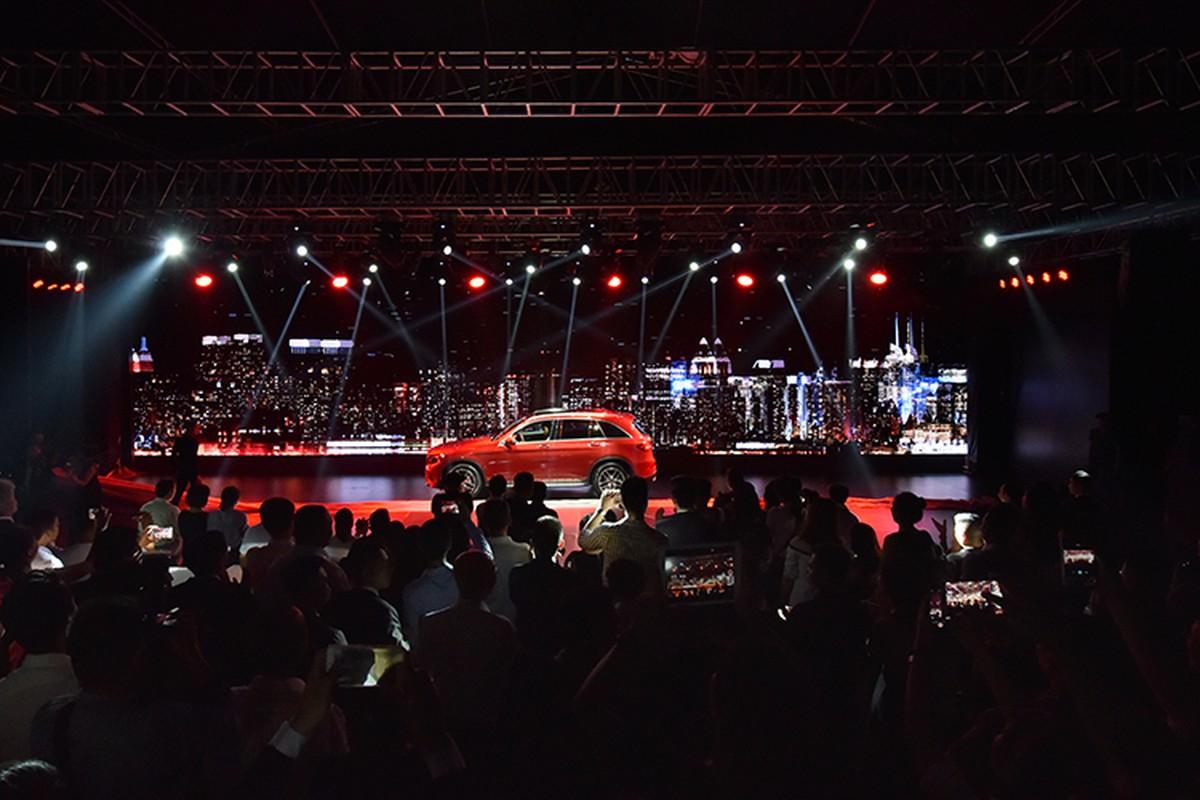Dan xe Mercedes-Benz tri gia 150 ty sap den Ha Noi-Hinh-2