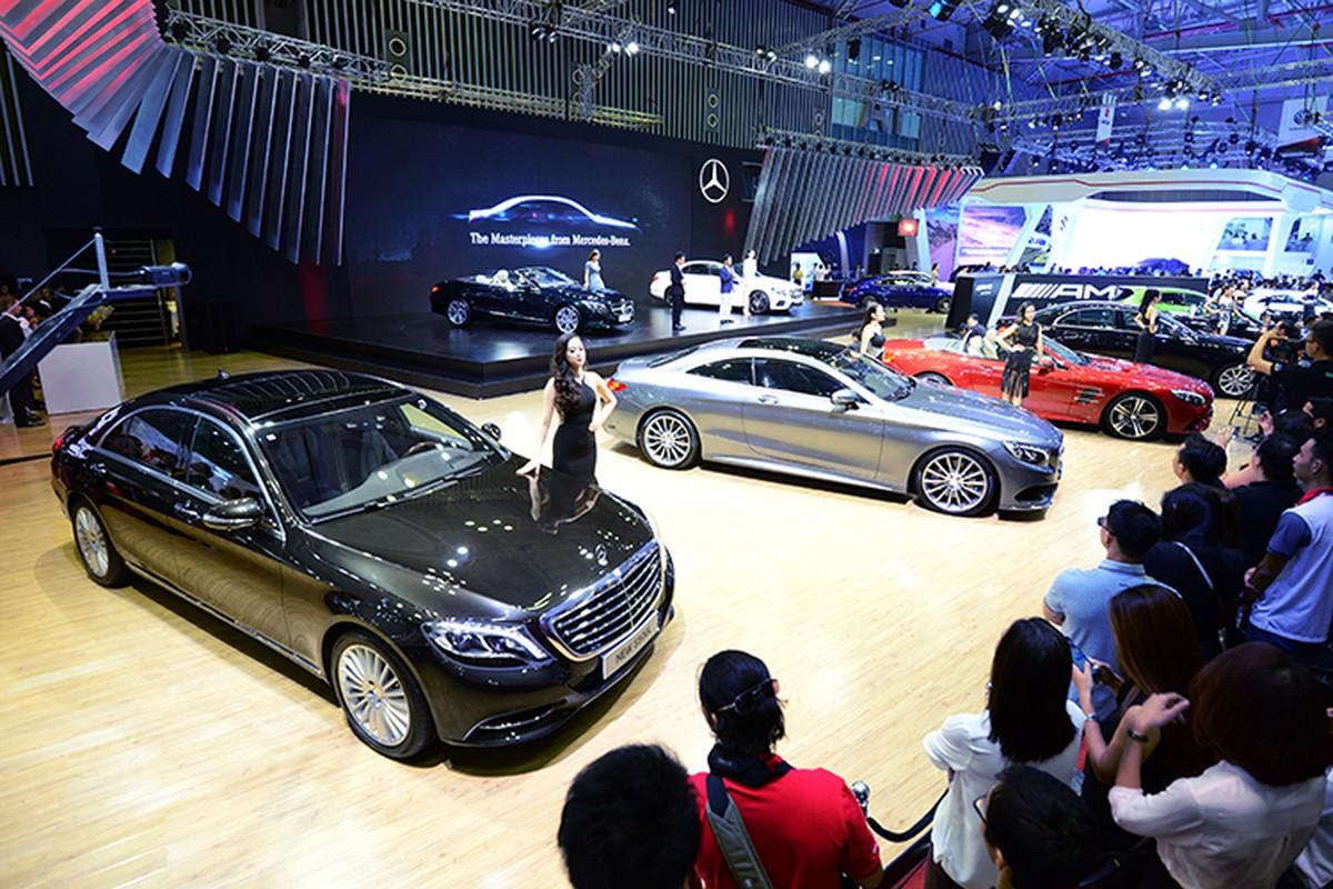Dan xe Mercedes-Benz tri gia 150 ty sap den Ha Noi-Hinh-3