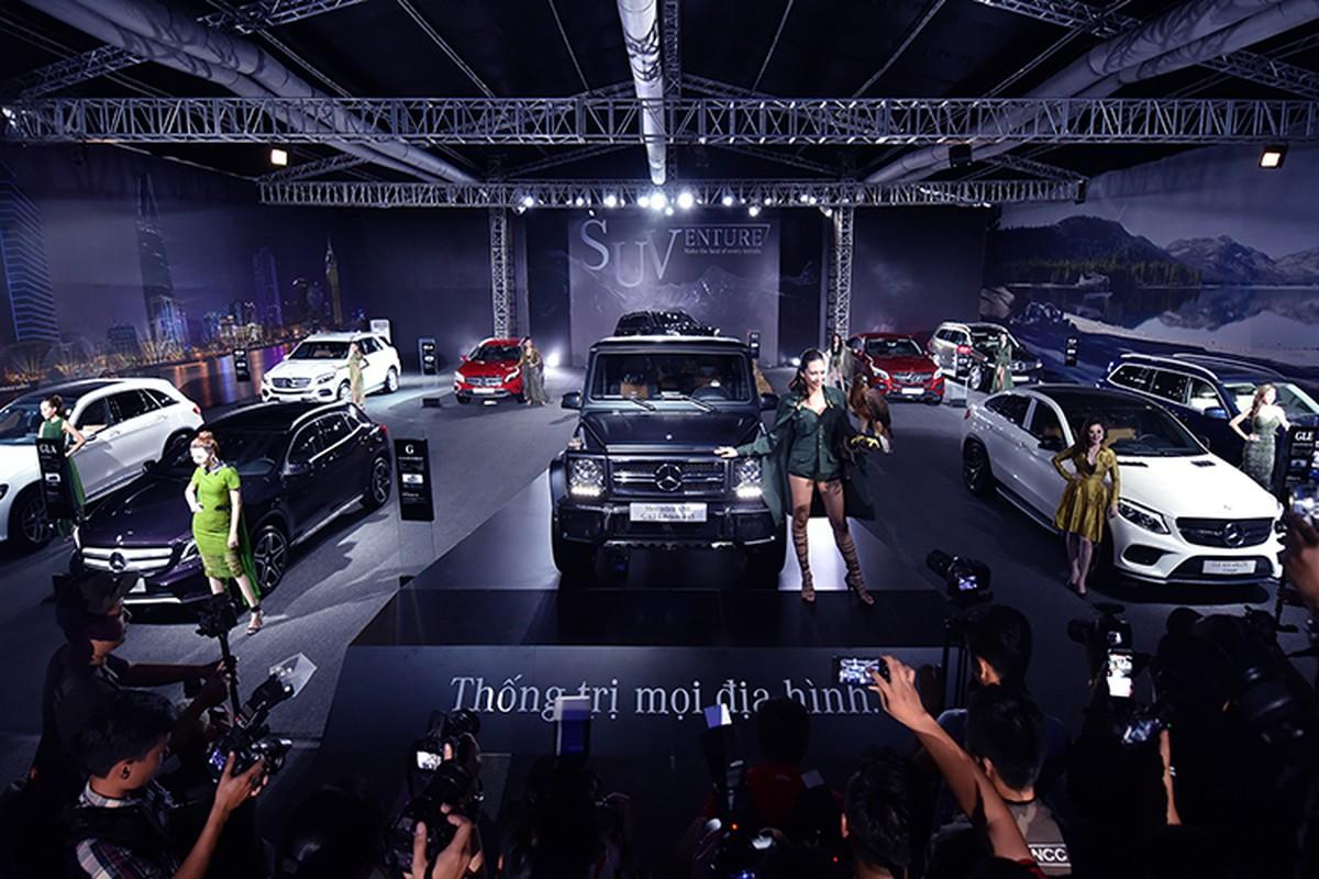 Dan xe Mercedes-Benz tri gia 150 ty sap den Ha Noi