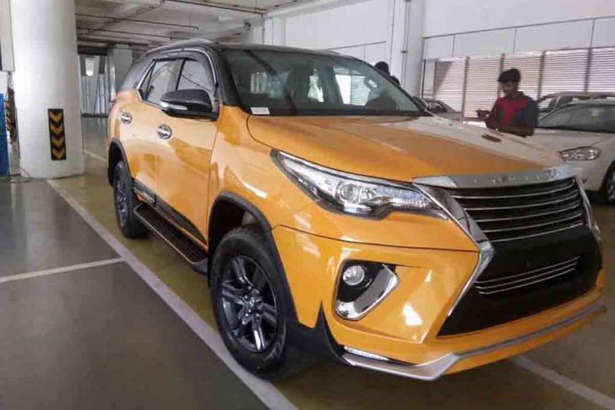 "Toyota Fortuner ""do"" xe sang Lexus chi het 70 trieu dong-Hinh-3"