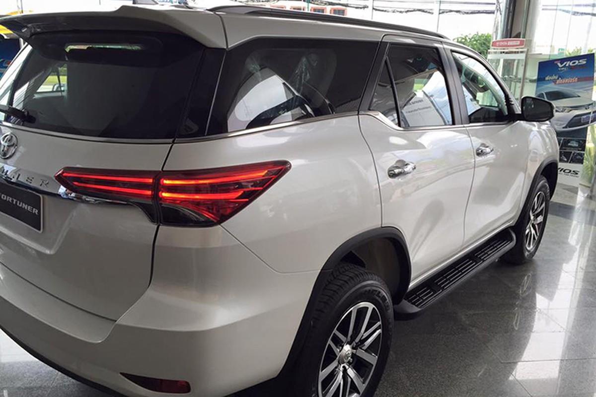 "Toyota Fortuner ""do"" xe sang Lexus chi het 70 trieu dong-Hinh-5"