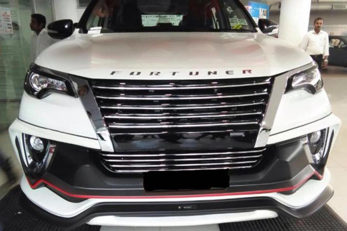 "Toyota Fortuner ""do"" xe sang Lexus chi het 70 trieu dong-Hinh-6"