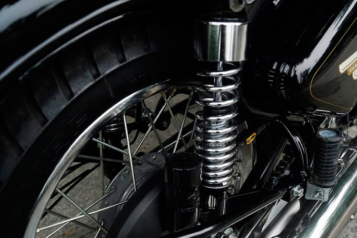 """Soi"" moto Royal Enfield Classic gia 109 trieu tai Ha Noi-Hinh-8"