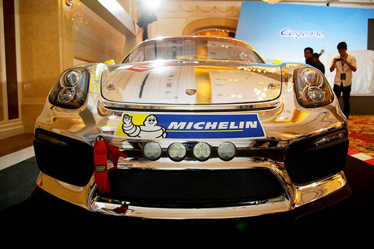 Sieu xe dua Porsche Cayman GT4 Clubsport tai Sai Gon-Hinh-2