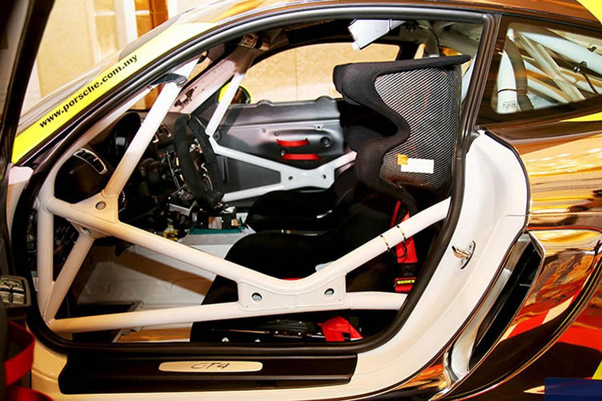 Sieu xe dua Porsche Cayman GT4 Clubsport tai Sai Gon-Hinh-9