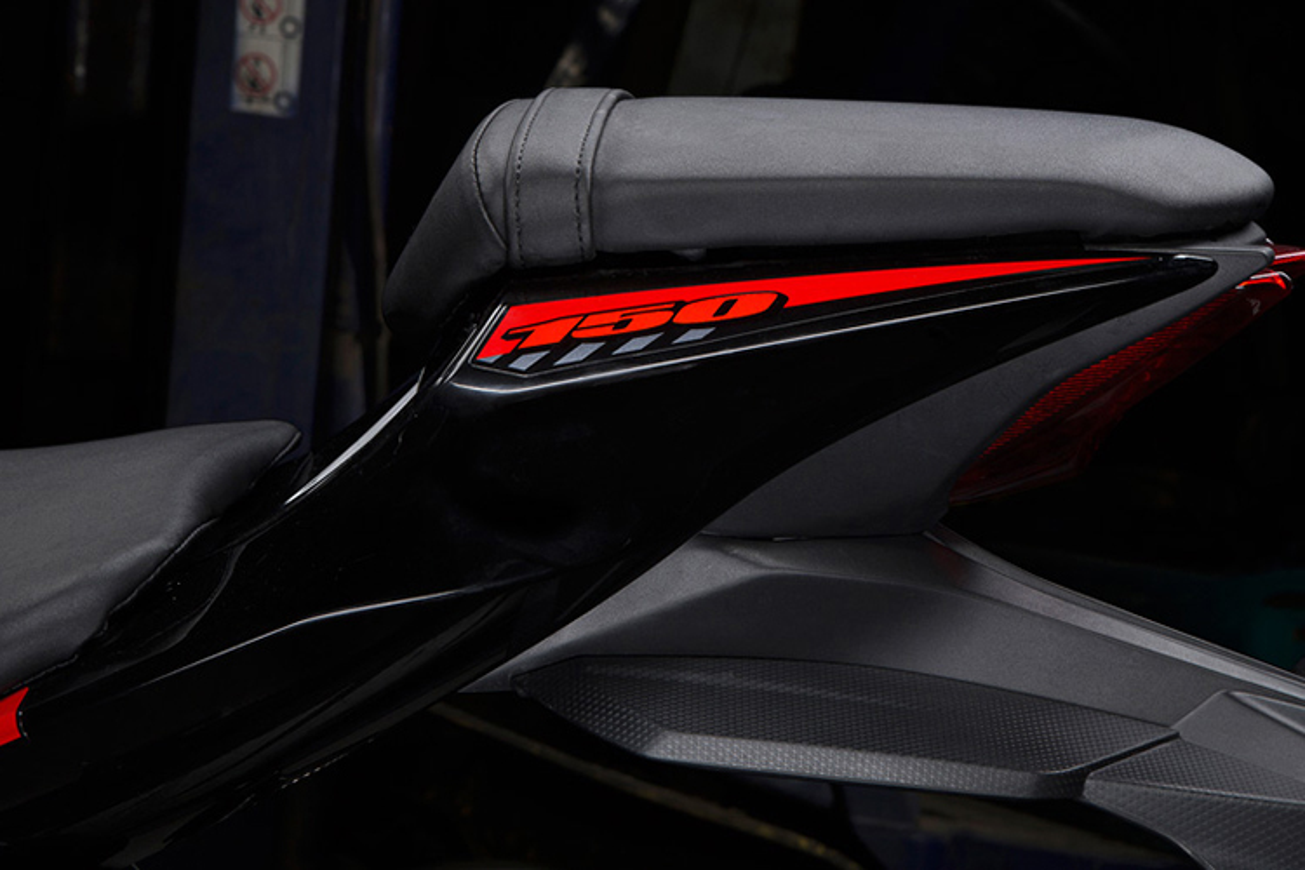 "Suzuki GSX-R150 gia 75 trieu ""dau"" Yamaha R15 tai VN-Hinh-8"