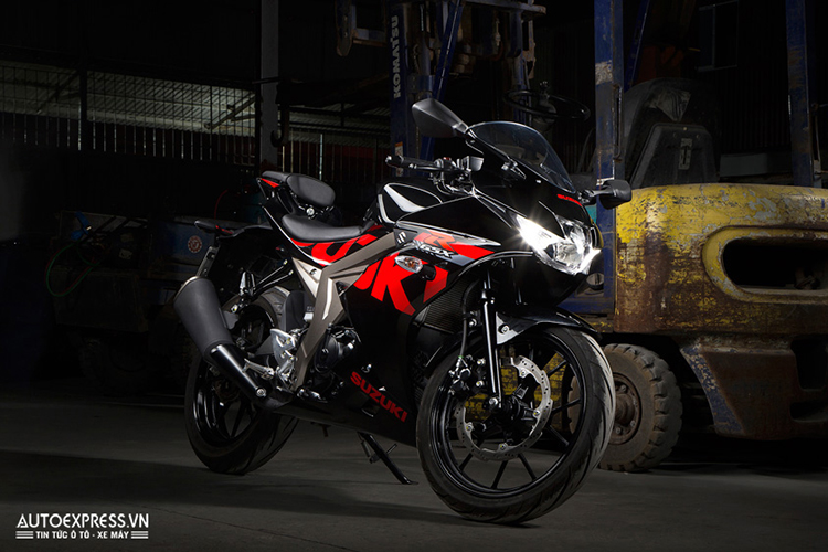 "Suzuki GSX-R150 gia 75 trieu ""dau"" Yamaha R15 tai VN"