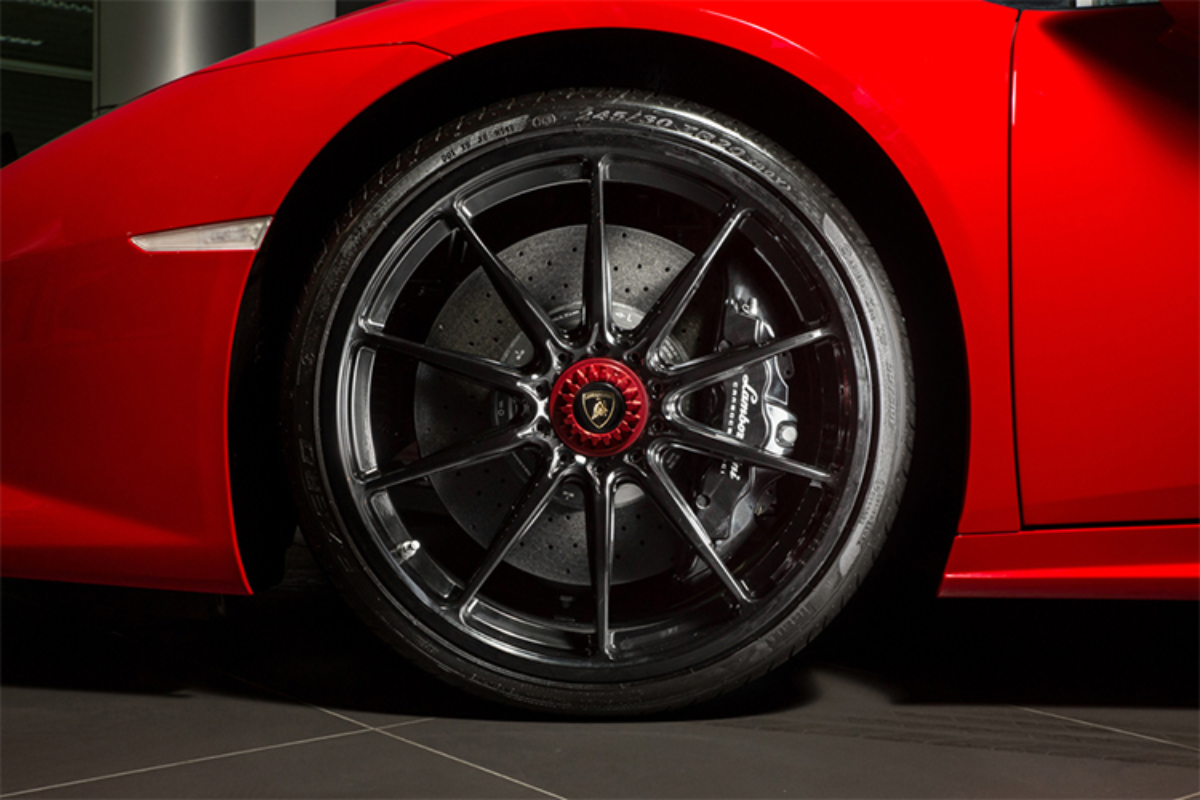 Lamborghini Huracan chinh hang, mau doc hon 20 ty tai Ha Noi-Hinh-8