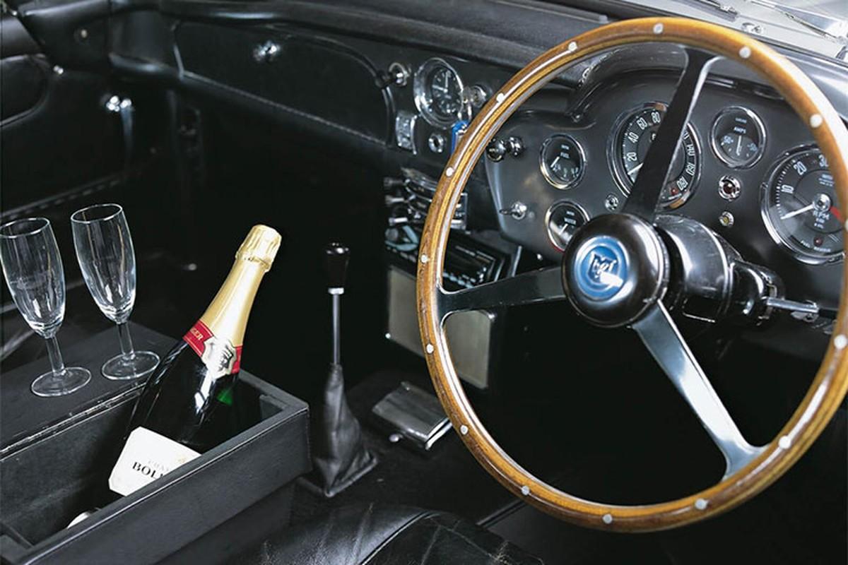 Sieu xe Aston Martin DB5 cua James Bond co gia 47,8 ty dong-Hinh-4