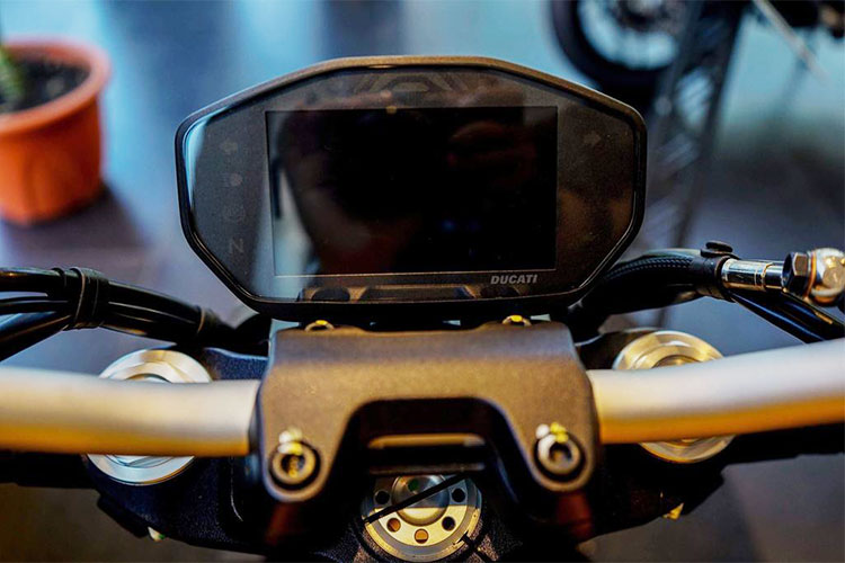 Can canh Ducati Monster 821 moi gia 399 trieu o Sai Gon-Hinh-4