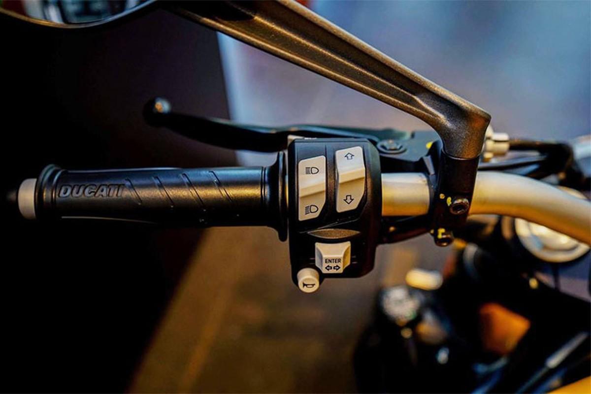 Can canh Ducati Monster 821 moi gia 399 trieu o Sai Gon-Hinh-5