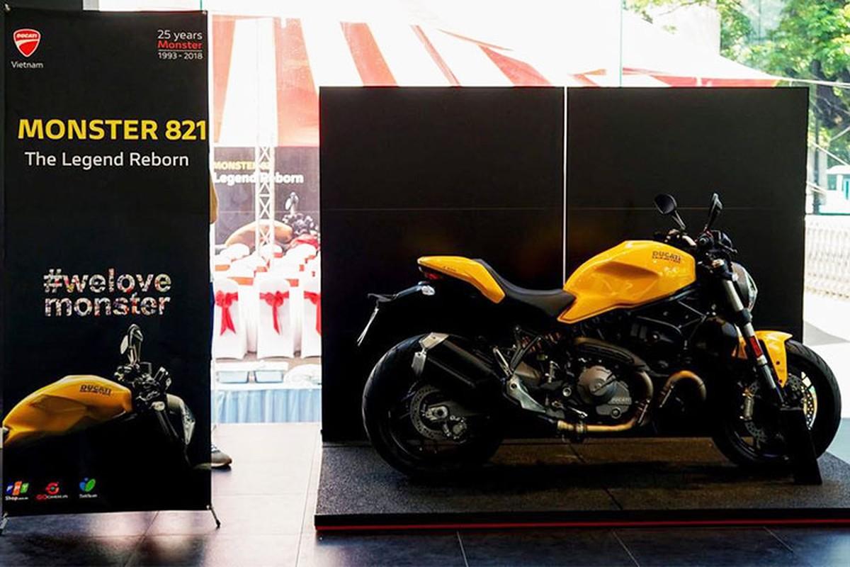 Can canh Ducati Monster 821 moi gia 399 trieu o Sai Gon