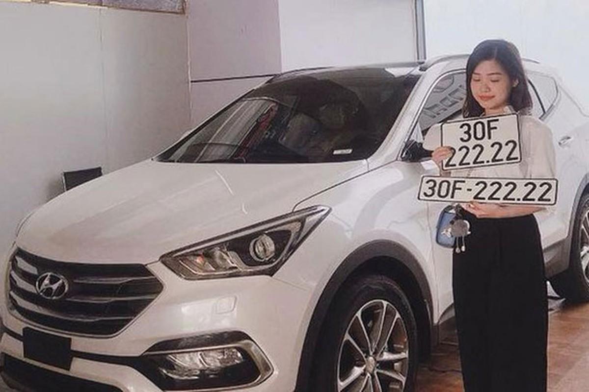 """Hyundai Santa Fe hon 2 ty dong bien """"ngu quy 2"""" o HN"""